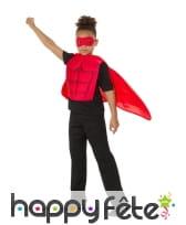 Kit rouge de super héros musclé pour enfant