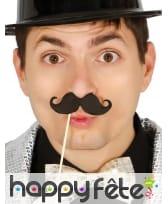 Lot de 6 moustaches noires photobooth de 10 cm
