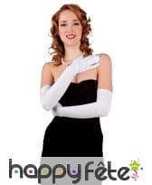 Longs gants blancs en tissu fin, pour femme