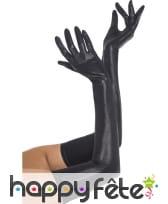 Longs gants noirs effet mouillé