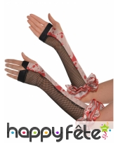 Longs gants sans doigts résille ensanglantés