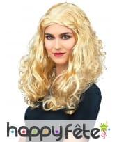 Longue perruque blonde frisée