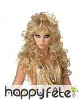 Longue perruque bouclée blonde, effet séductrice
