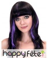 Longue perruque noire mèches violettes