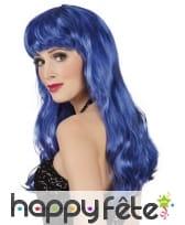 Longue perruque ondulée bleue avec frange