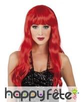 Longue perruque ondulée rouge avec frange