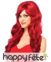 Longue perruque ondulée rouge unie glamour
