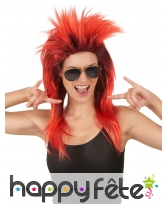 Longue perruque rock star rouge racines noires