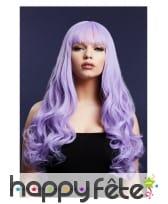 Longue perruque violette ondulée avec frange