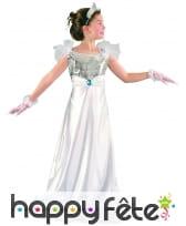 Longue robe blanche argentée de petite princesse