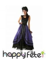 Longue robe gothique noire violette avec dentelles