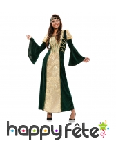 Longue robe médiévale avec manches bouffantes