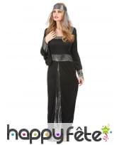 Longue robe médiévale noire et argentée