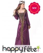 Longue robe médiévale violette de princesse