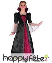 Large robe noire et rouge de petite vampiresse, image 3