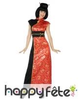 Longue robe rouge noire motifs dorés de chinoise