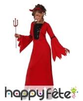 Longue robe rouge unie de petite diablesse