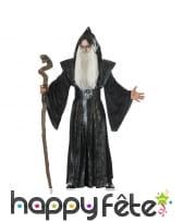 Longue tenue noire de sorcier médiéval