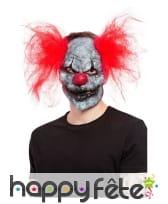 Masque facial de clown sinistre et cheveux rouges