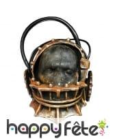Le masque pour les cheveux dans le bains avec koritsej