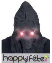Masque visage caché avec yeux lumineux rouges