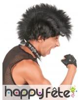 Perruque avec crète punk noire
