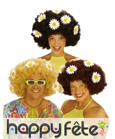 Perruque afro décorée de pâquerettes
