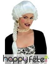 Perruque blanche de duchesse avec tresse