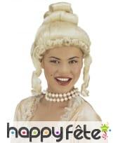 Perruque blonde de comtesse, chignon et boucles