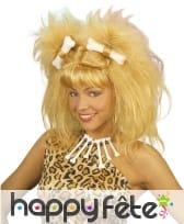 Perruque blonde de femme des cavernes avec os