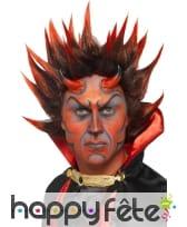 Perruque de diable noire et pique rouge