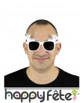 Paire de lunettes blanches avec licorne