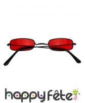 Paire de lunettes rouges de vampire