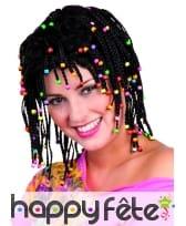 Perruque rasta et perles colorées
