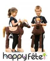 Poney sur bretelles pour enfant