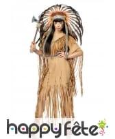 Robe d'indienne marron à franges avec coiffe, luxe