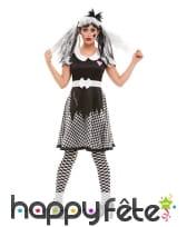 Robe de poupée vaudou à damier noir et blanc
