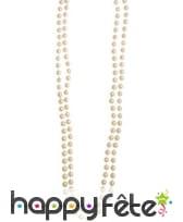 Sautoir de perles blanches en plastique
