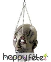 Tête coupée zombie avec chaine