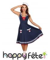 Tenue robe bleue de femme matelot rétro