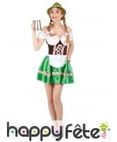 Tenue verte de serveuse bavaroise avec corset