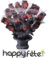 Vase gothique roses rouges et toile d'araignée, image 1