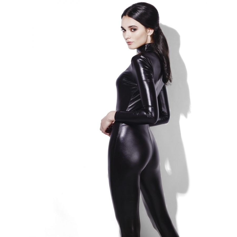 Filles en latex brillant