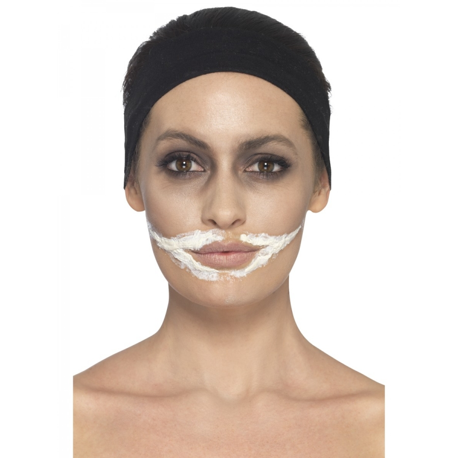 Maquillage halloween latex et faux sang - Maquillage halloween latex ...