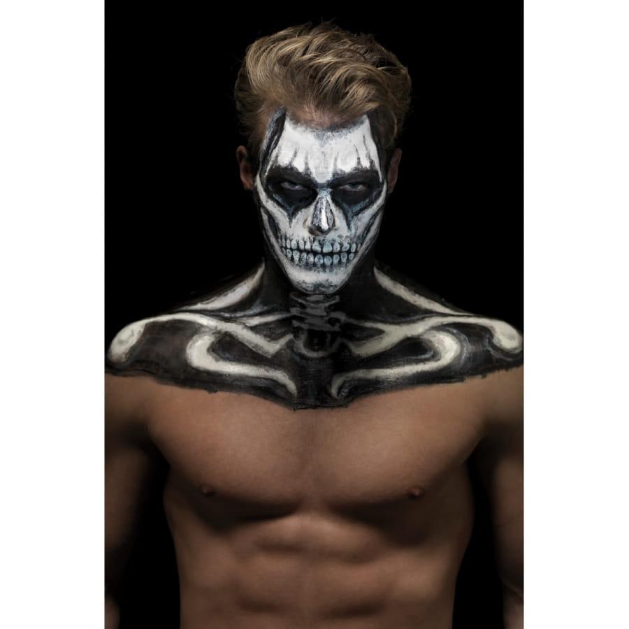 maquillage squelette sur peau noire